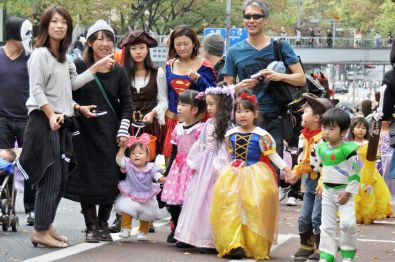 ...e quelli che confondono Halloween con Carnevale......